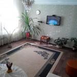 Большая гостиная комната в квартире посуточно. Севастополь. Центр города.